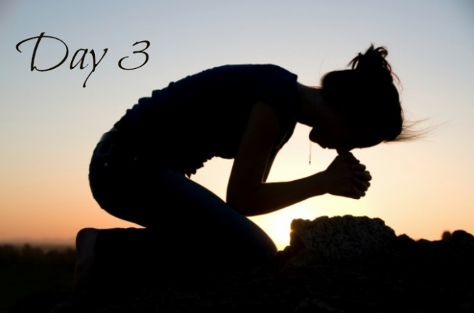 Day 3 woman praying